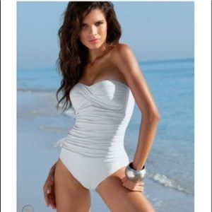 La Blanca Halter Bandeau White Slimming Swimsuit
